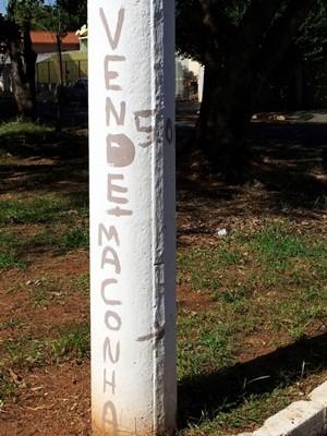 b355a6d80 G1 - Poste em Ourinhos traz  anúncio  de maconha a R  5 - notícias ...