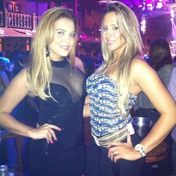 Geisy Arruda com uma amiga em boate em São Paulo (Foto: Instagram/ Reprodução)