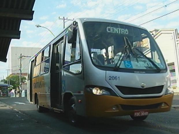 Passagem irá subir de R$ 2,65 para R$ 2,80 neste domingo (Foto: Reprodução/TV TEM)