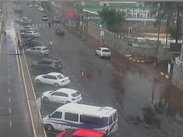 Chuva começou ainda pela madrugada. Choveu 18.2 milímetros no Posto Messejana (Foto: Reprodução/TV Verdes Mares)