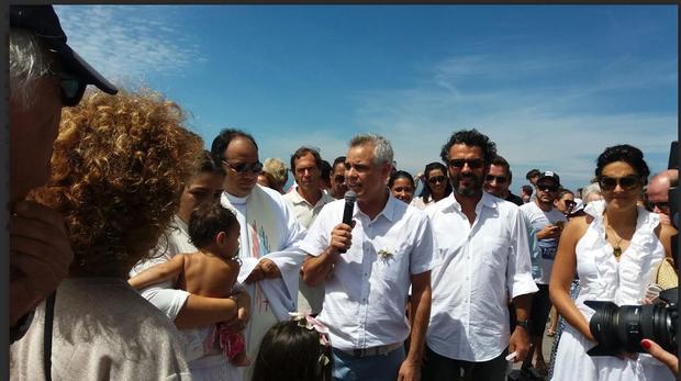 Batizado da filha de Rico Rondelli, irmão de Nizo Neto (Foto: reprodução)