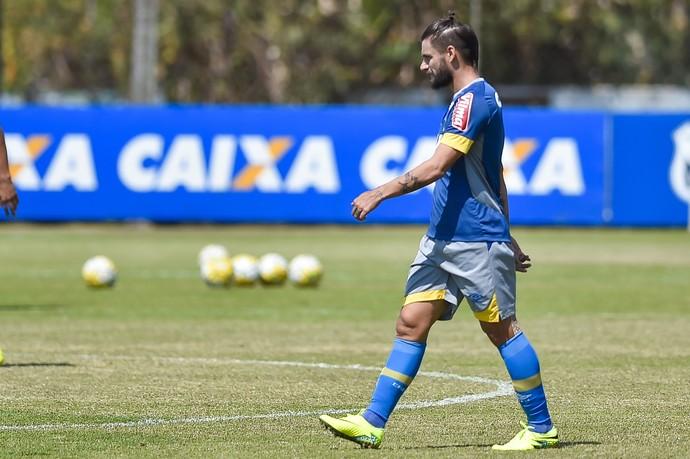 Rafael Sóbis em treino do Cruzeiro (Foto: Pedro Vilela/Light Press)