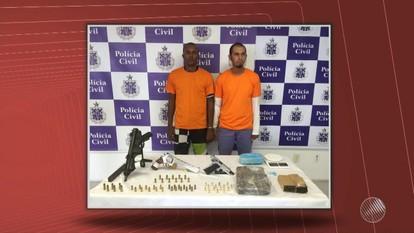 Polícia prende dois homens com armamento pesado em Lauro de Freitas