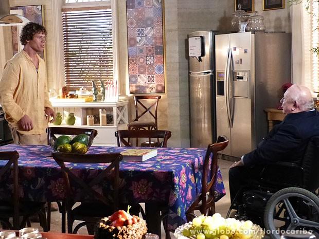 Dionísio deixa Candinho aos prantos (Foto: Flor do Caribe / TV Globo)