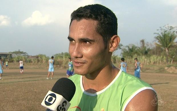 Atacante Rafael Barros disse estar à vontade atuando no Acre (Foto: Acre TV)