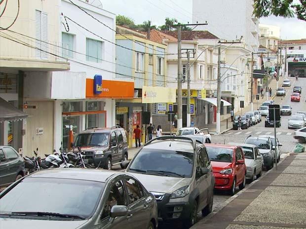 """Moradores de Guaxupé criam """"assaltômetro"""" para mostrar a quanto tempo cidade não registra crime (Foto: Reprodução EPTV)"""
