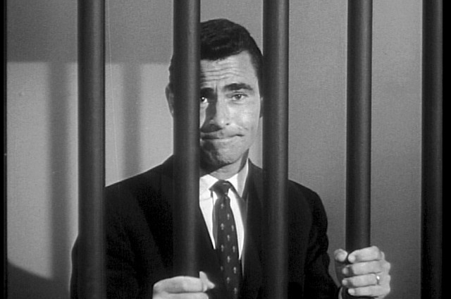 Rod Serling em 'The twilight zone' (Foto: Reprodução)