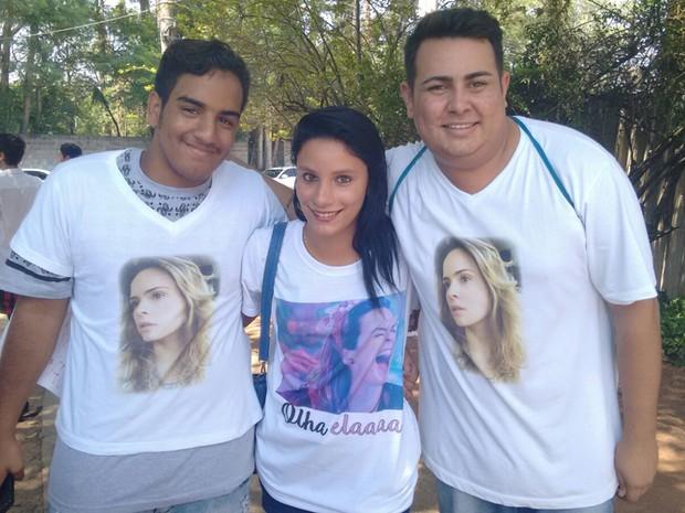 Fs mandaram fazer camisetas com fotos e o bordo de Ana Paula (Foto: Multishow)