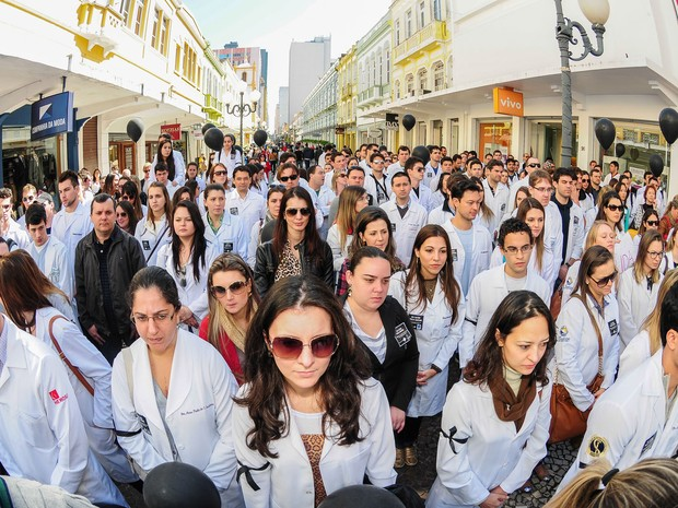 Médicos catarinenses paralisam as atividades nesta quarta-feira (31) em apoio à movimentação nacional.  (Foto: Cadu Rolim / Fotoarena/Estadão Conteúdo)