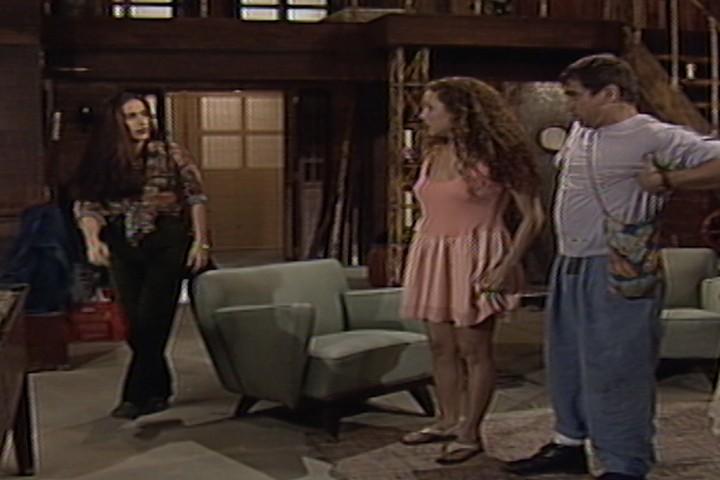 Raquel provoca Dalua e diz que Alzira no  Ruth (Foto: reproduo/viva)