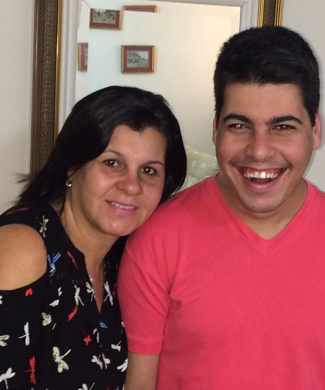 Cláudia acredita que recebeu uma missão ao conceber o filho (Foto: Cláudia Simone/Arquivo Pessoal )