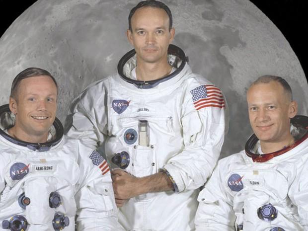 Foto oficial da Apollo 11. Armstrong à esquerda, Michael Collins no centro e Buzz Aldrin à direita (Foto: NASA Great Images in Nasa Collection)