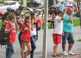 Torcedores do Inter em Gramado (Foto: Tomás Hammes/GLOBOESPORTE.COM)