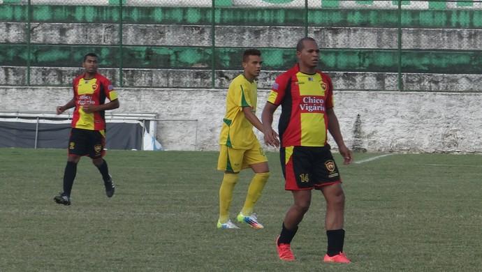 Aloísio Chulapa estreia no Sport com a camisa 14 em homenagem ao São Paulo (Foto: Denison Roma/GloboEsporte.com)