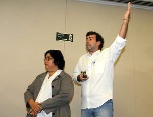 Protesto licitação maracanã Marcelo Freixo (Foto: André Durão / Globoesporte.com)