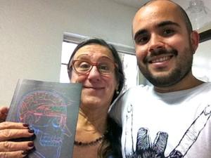 O cartunista Laerte apadrinhou Juscelino e o ajudou na publicação de sua HQ (Foto: Arquivo Pessoal/Juscelino Neco)