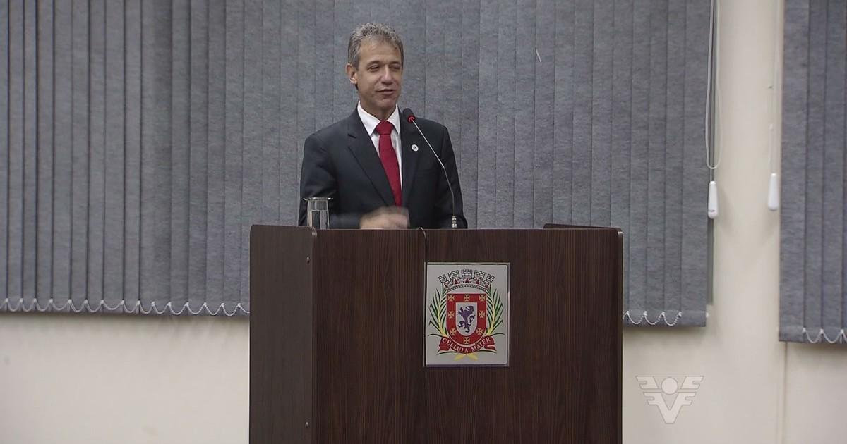 Ministro da Saúde volta a região e recebe título de cidadão vicentino