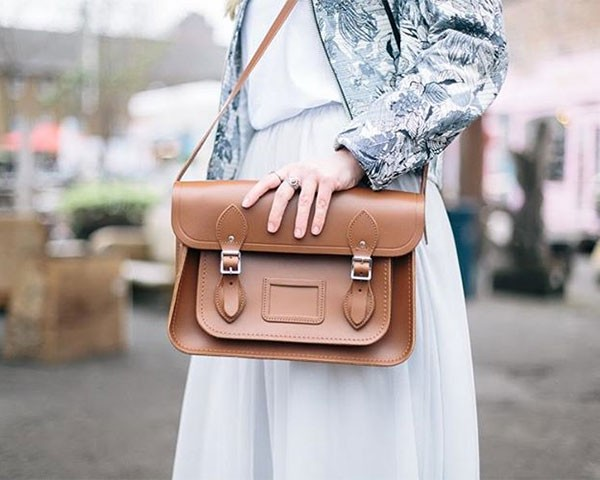 As bolsas da CSC são clássicas da moda britânica (Foto: Reprodução/Instagram)