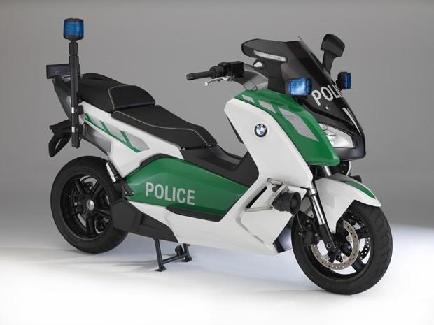 4787bb24b2d G1 - BMW cria versão policial do scooter elétrico C Evolution ...