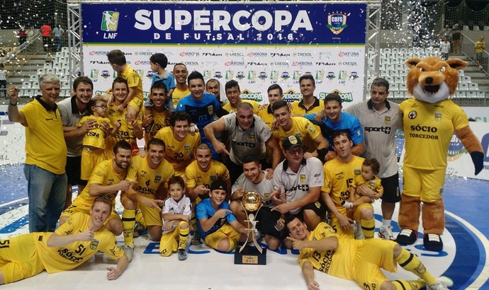 Jaraguá campeão Supercopa de Futsal (Foto: Divulgação/LNF)