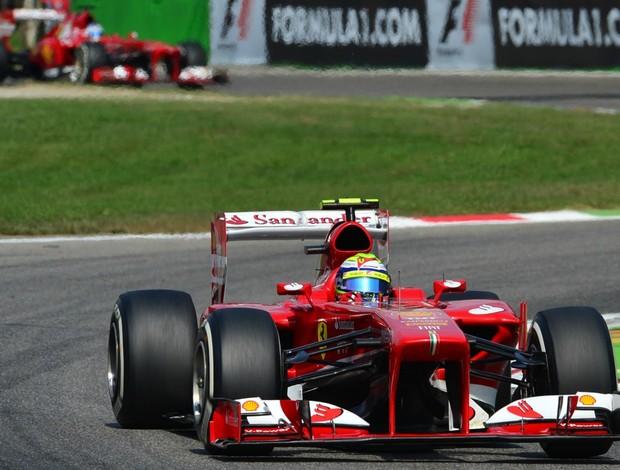 Felipe Massa e Fernando Alonso no treino classificatório para o GP da Itália, em Monza (Foto: AFP)