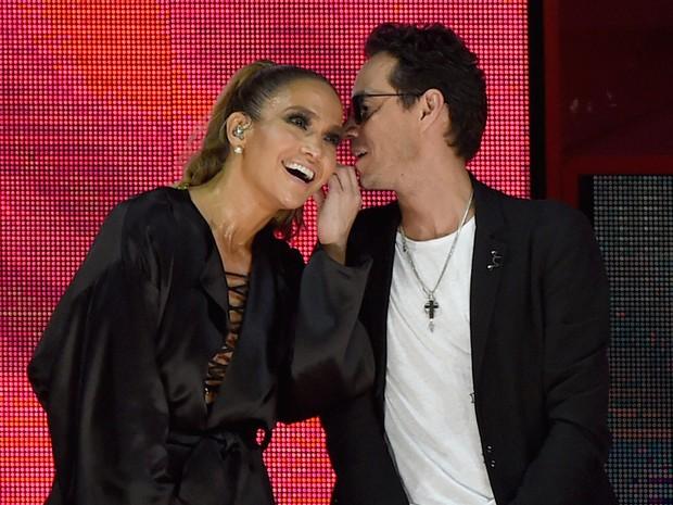 Jennifer Lopez e Marc Anthony em show em Miami, nos Estados Unidos (Foto: Gustavo Caballero / Getty Images/ AFP)