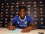 Chelsea anuncia atacante belga, seu primeiro reforço para a temporada