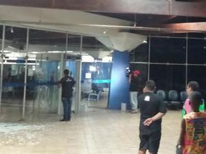 Criminosos se passam por funcionários e assaltam banco, em Bacabal (Foto: Divulgação/ PM)