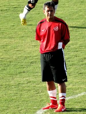 técnico do Taiti, Eddy Etaeta (Foto: Valeska Silva)