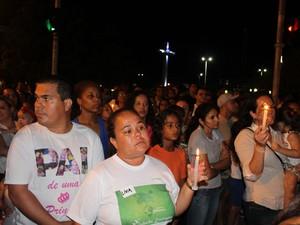 Comunidade participa de protesto para solução de caso de Beatriz  em Petrolina (Foto: Juliane Peixinho / G1)