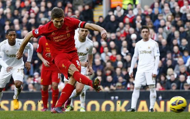 gerrard Liverpool gol swansea (Foto: Agência Reuters)