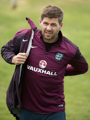 Steven Gerrard Inglaterra treino (Foto: Getty Images)