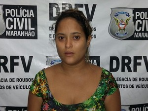 Amanda da Silva Souza, de 23 anos, foi presa durante operação (Foto: Divulgação/DRFV)