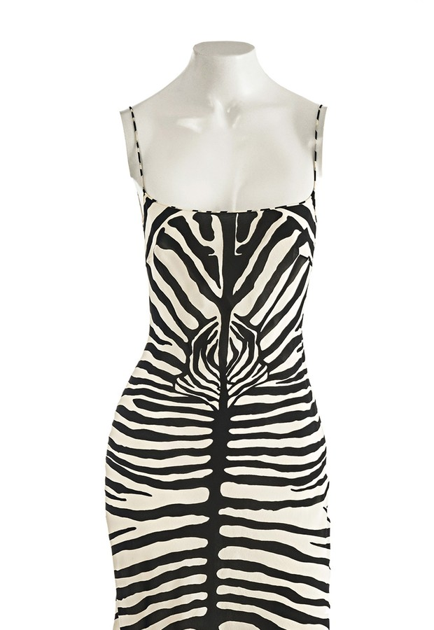 1954d253391 Vestido estampado da marca John Galliano à venda no bazar da ReciclaLuxo  por R  200