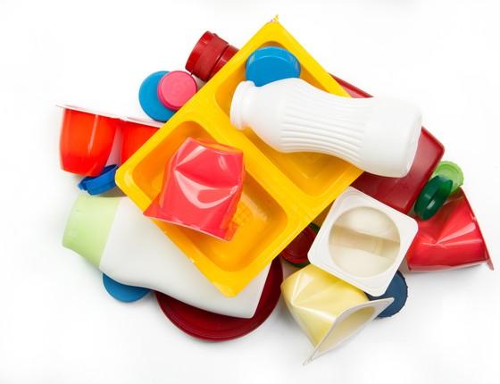 Plásticos: o BPA, componente presente em embalagens pode ser absorvido pelo organismo (Foto: Thinkstock)