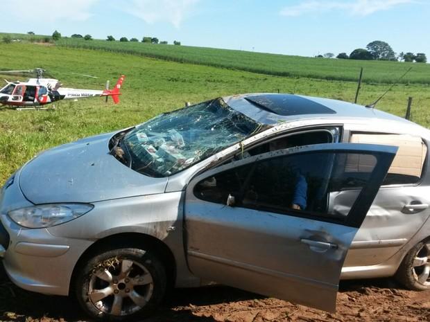 Carga, veículo e rádios comunicadores foram apreendidos   (Foto: Divulgação / Polícia Rodoviária )