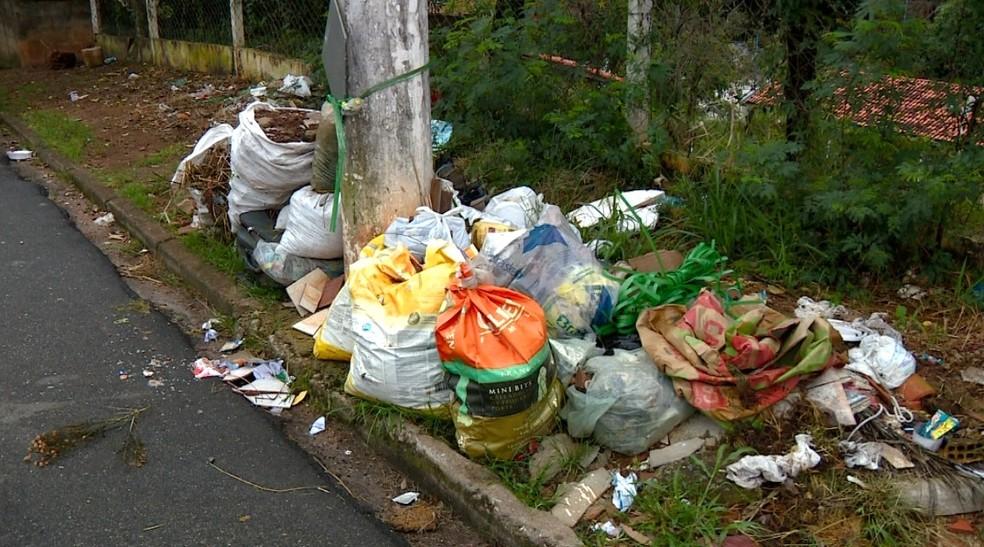 Lei que permite cobrança na coleta de lixo foi aprovada em 2001 (Foto: Reprodução / EPTV)