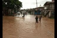 Em Tucuruí, forte chuva de quase 15 horas fez transbordar o igarapé que corta a cidade