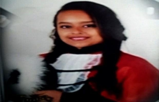 Corpo da adolescente Amanda Heloiza Vaz dos Santos, de 15 anos, foi encontrado em mata de Rio Verde, Goiás (Foto: Reprodução/TV Anhanguera)
