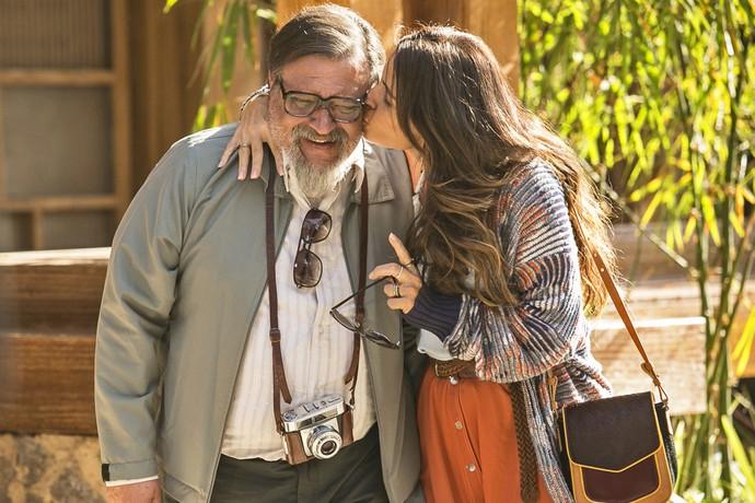 Alice diz ao pai que vai voltar a estudar (Foto: Raphael Dias/Gshow)