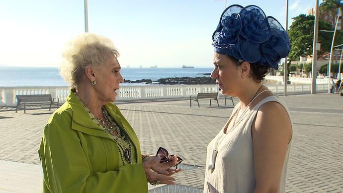 Ana Chenaud conta que escolhe as roupas de acordo com o santo do dia (Foto: TV Bahia)