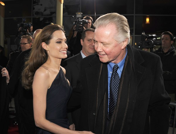 Angelina Jolie e seu pai, John Voight (Foto: Getty Images)