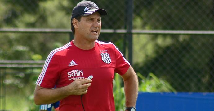 João Brigatti, técnico interino Ponte Preta (Foto: Oscar Herculano/ EPTV)