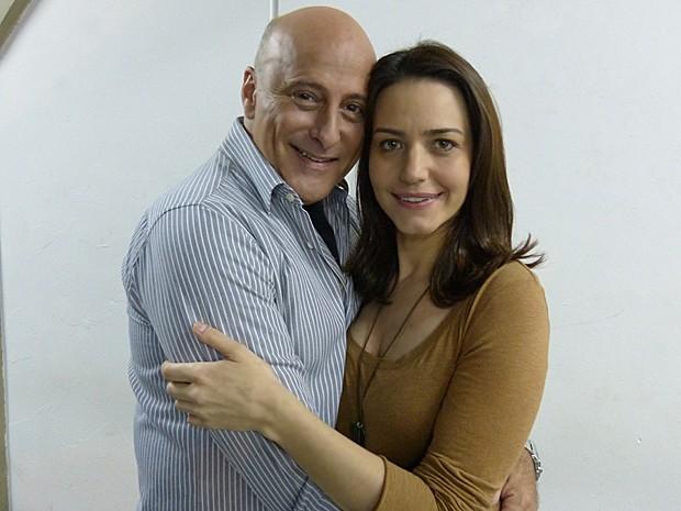 Mathias e Raquel começam a namorar depois de uma armação de Marcela (Foto: Malhação / TV Globo)