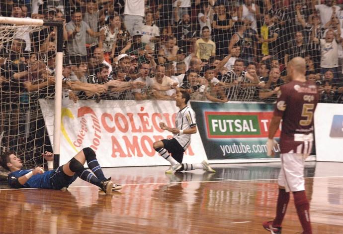 Valdin Corinthians Orlândia final liga paulista de futsal (Foto: Ricardo Bastos/Fotoarena)
