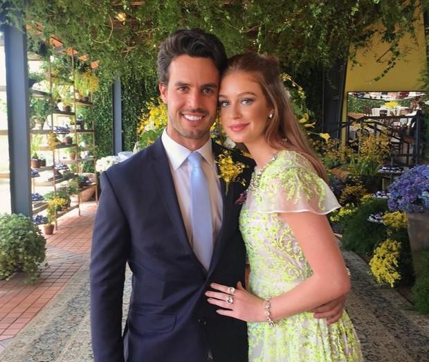 Xandinho Negrão e Marina Ruy Barbosa foram padrinhos do casamento (Foto: Reprodução/Instagram)