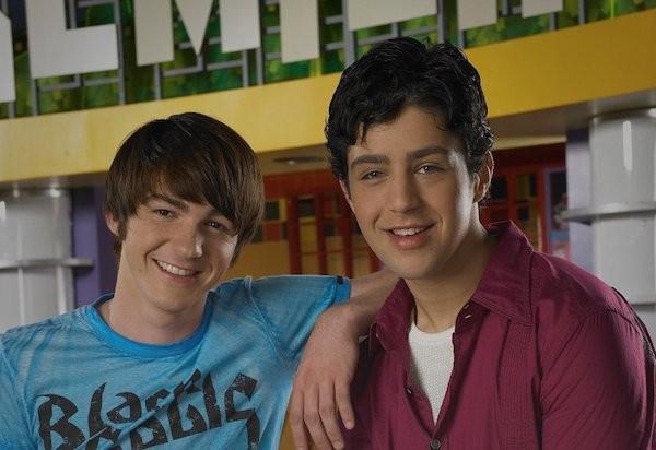 Josh Pack e Drake Bell, protagonistas de Josh e Drake (Foto: Reprodução)