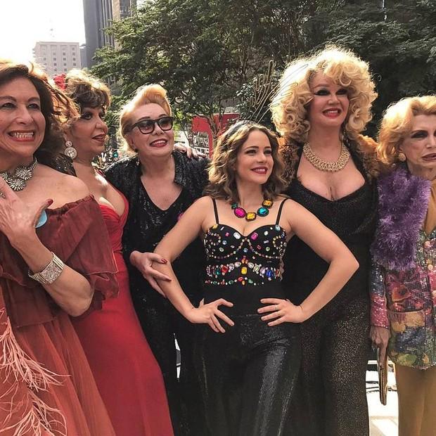 Leandra Leal e o elenco de Divinas Divas (Foto: Reprodução/Instagram)