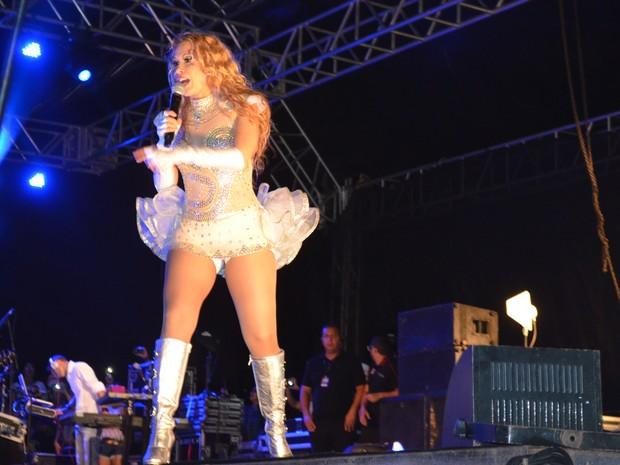 Joelma levantou o público durante apresentação em Macapá, no Amapá (Foto: John Pacheco/G1)