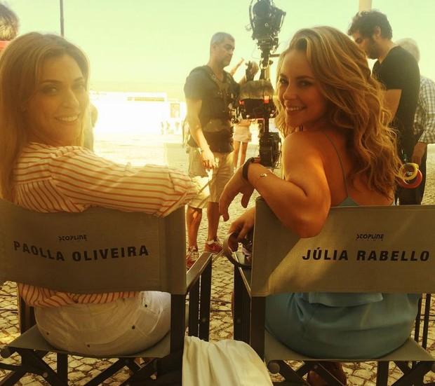 Júlia Rabello e Paolla Oliveira nos bastidores do filme Mulheres (Foto: Reprodução/Instagram)